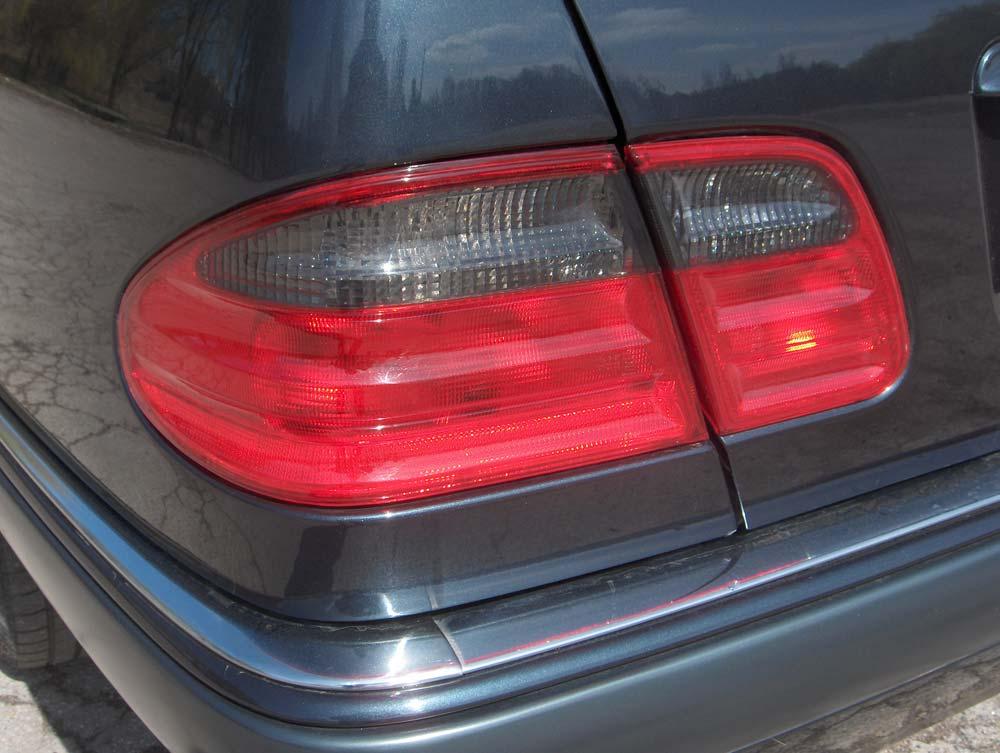 Автомобиль Mercedes E-класса в